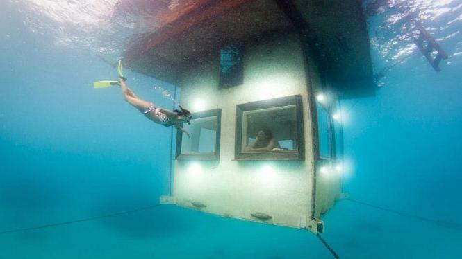 manta-resort-underwater-room-3