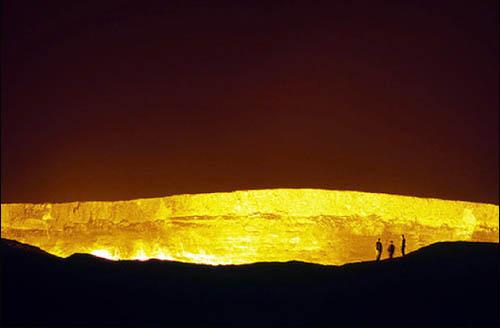 burning_gates_of_turkmenistan_1